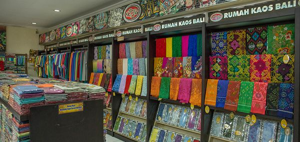 popular and recommended best outlets in Bali for shopping souvenirs