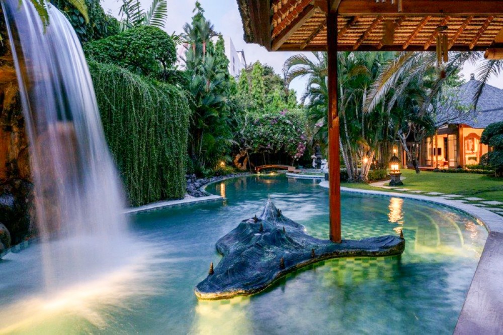 What to Show from Your Villa Seminyak to Local Staycationers
